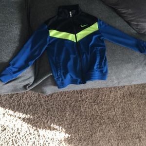 Nike zip up sweater, in perfect condition